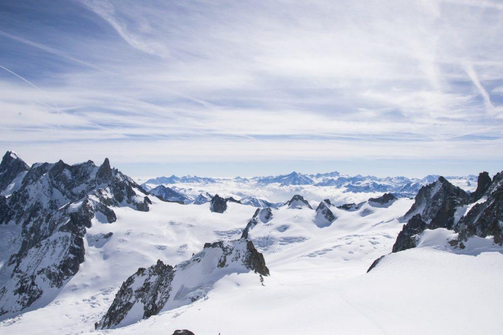 Le Mont Blanc route les arcs
